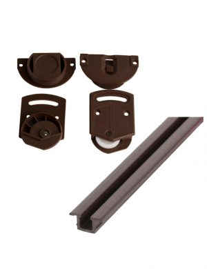 Sistem pentru usi glisante de culoare maro.